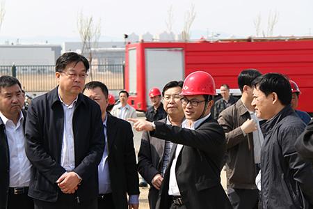 2014年4月,吉林市市委副书记、市长赵静波视察吉林航盛新工业园。